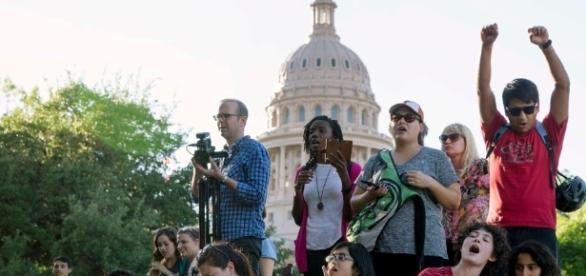 What to know as Texas nears passing 'sanctuary city' law | KABB - foxsanantonio.com