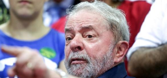 Associação de Procuradores percebeu ameaças durante a fala de Lula em evento do PT