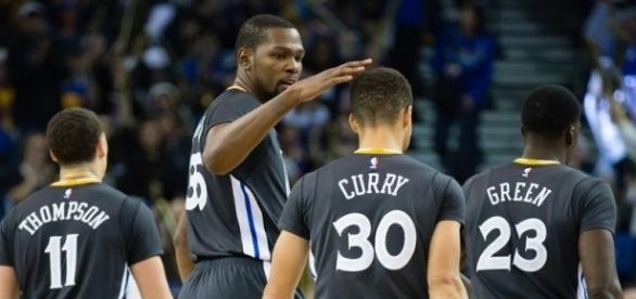 Los Warriors están listos para llegar a su tercera final consecutiva- bluemanhoop.com