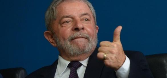Lula é acusado de aceitar R$ 3,5 milhões em propina
