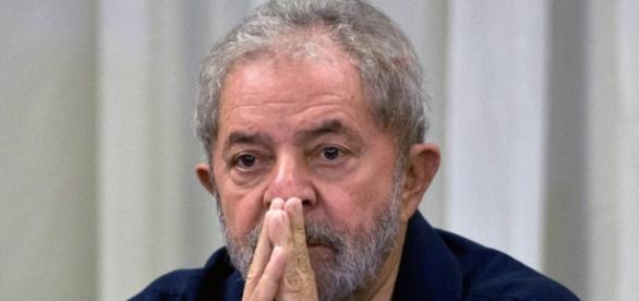 Lula tem rejeição de 45% dos eleitores