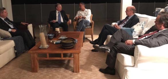 Reunião na casa de Aécio, terça-feira (30), vira motivo de críticas