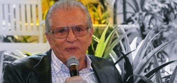 Carlos Alberto de Nóbrega se emociona em 'A Praça' - Google