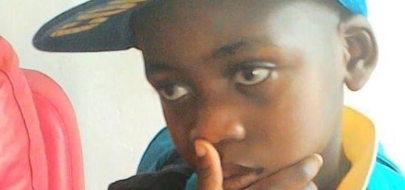Chadrack Mulo, a fost găsit agățat de corpul mamei sale la două zile după moartea sa - Foto: The Guardian