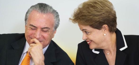 Dilma permanece elegível e Temer no cargo