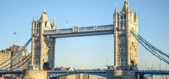 London Bridge - photo CCO Public Domain via pixabay