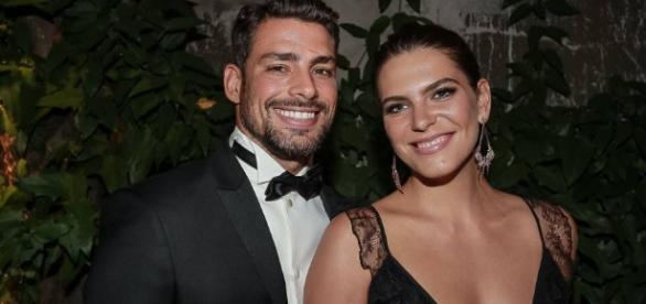 Reymond e a namorada, Mariana Goldfarb contam quem é o mais ciumento a Matheus Mazzafera