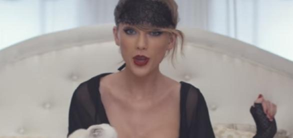 Taylor Swift - Blank Space screencap from TaylorSwiftVEVO via Youtube