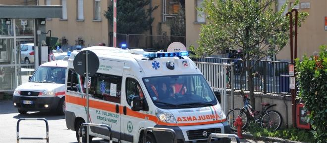 Torino, studentessa si lancia dal sesto piano e muore: l'ombra della depressione