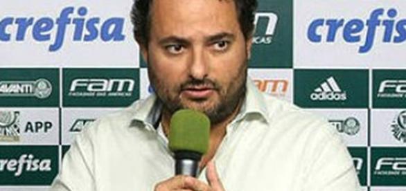 Alexandre Mattos, responsável pelas contratações do clube