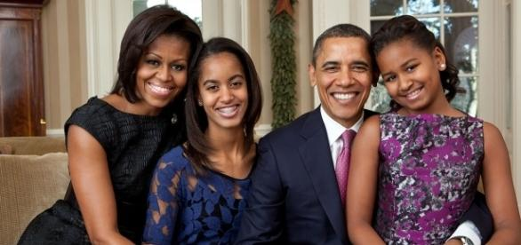 Barack Obama and his family celebrate Sasha's 16th birthday on Saturday. (Wikimedia/Pete Souza)