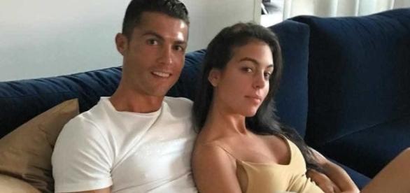 Cristiano Ronaldo seria pai de gêmeos que teriam nascidos de barriga de aluguel ( Foto: Reprodução)
