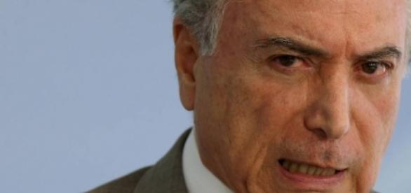 O pai de um dos principais aliados do presidente Michel Temer (foto) criou 'império' de barrinhas de cereais no país