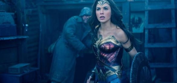 """This blink-and-you-missed-it moment in """"Wonder Woman"""" is going ... - hellogiggles.com"""