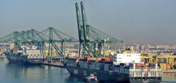 Huelga estibadores portuarios: Las balas de los estibadores ante ... - elconfidencial.com