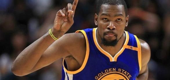 Kevin Durant proves that his move to the Golden State Warriors was a good idea -BN Library