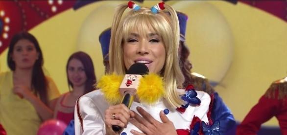 Patrícia chegou a imitar Xuxa para festejar sua vitória preferência dos telespectadores ( Foto: Reprodução)
