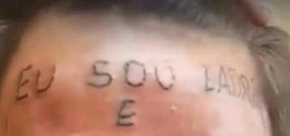 Tatuador Justiceiro resolve punir jovem infrator