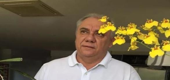 Apresentador Marcelo Rezende abandona a quimioterapia