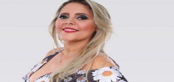 Eliza Clívia morreu na hora, quando carro em que estava foi atingido por um ônibus