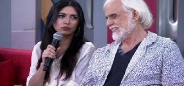 Ator Francisco Cuoco é 53 anos mais velho que sua namorada Thais Rodrigues