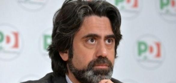 Il tesoriere Francesco Bonifazi ha presentato il fallimentare bilancio Pd del 2016