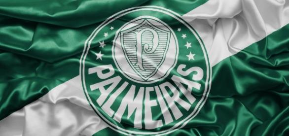 Palmeiras tenta, de todas as maneiras, confirmar chegada de novo atacante