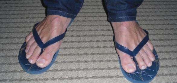 The third Friday in June is National Flip Flop Day - Photo: commons.wikimedia.org