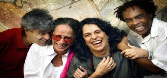Bethânia, Gal, Caetano e Gilberto Gil juntos no retorno dos 'Doces Bárbaros'