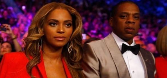 Beyoncé teria dado à luz aos gêmeos, segundo site americano