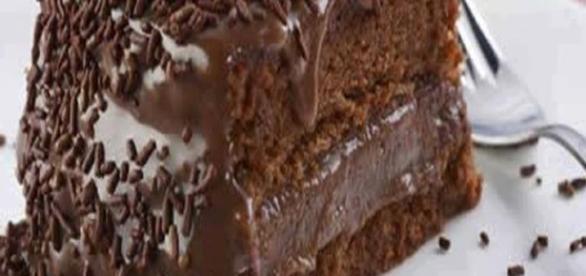 Faça um bolo sem farinha e gaste menos