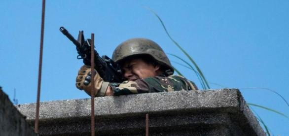 Philippine army destroying city to save it from ISIS allies - The ... - bostonglobe.com