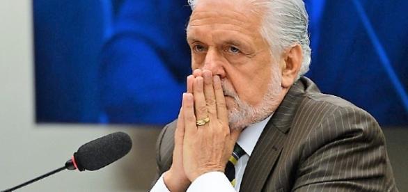Ex-ministro petista da Casa Civil, Jaques Wagner, se posicionou pela continuidade de Michel Temer no poder, se for pra ter eleição indireta