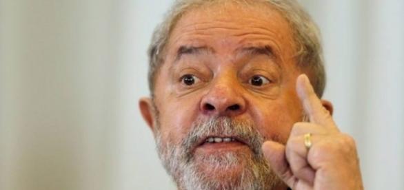 Ex-presidente Luiz Inácio Lula da Silva chegou a ser vaiado por petistas (Foto: Reprodução)