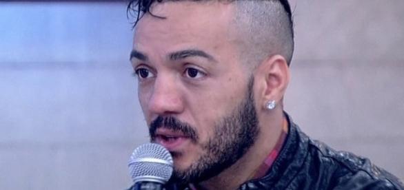 O cantor já enfrentou vários problemas durante sua carreira (Foto: Reprodução - Rede Globo)