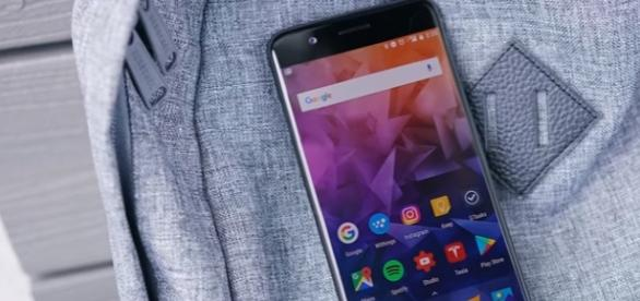 OnePlus 5 Review/ Youtube/Marques Brownlee