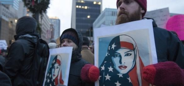 Protesters in Minneapolis against Trump's Muslim ban / Image by Fibonacci Blue via Flickr:https://flic.kr/p/REN4k1 | CC BY 2.0