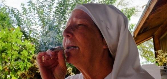 Saibam quem são as 'freiras' maconheiras e feministas