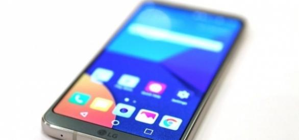 The LG G6 has a huge screen, glass back and waterproof design - image source BN library