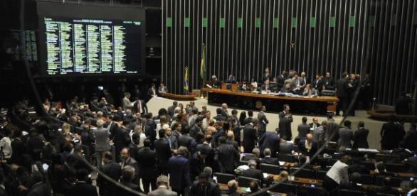 Plenário vai decidir prosseguimento de investigação