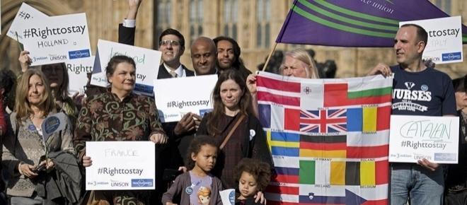 Statutul cetățenilor UE în UK. Guvernul pregătește un proces de înregistrare