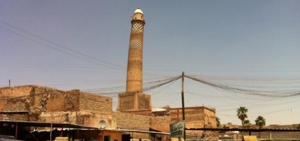 al-Nouri Mosque, Mosul, Iraq / By Faisal Jeber (Own work) [CC BY-SA 4.0 (http://creativecommons.org/licenses/by-sa/4.0)], via Wikimedia Commons