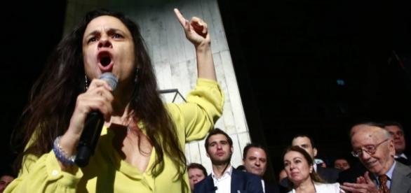 'Decepção de Tancredo', diz Janaína Paschoal sobre Aécio