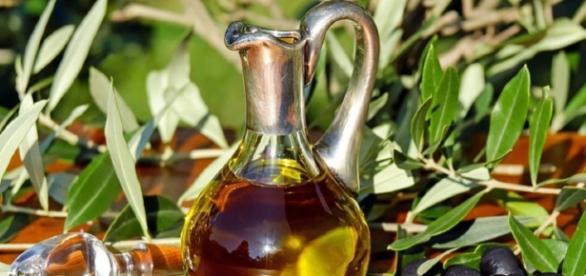 Olive oil health benefits | image credit: Coleur| Pixabay | CCO Public Domain