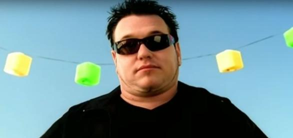 The Original Lyrics to Smash Mouth's 'All Star' Were Much More Twisted - esquire.com