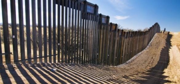 Il presidente degli Stati Uniti Donald Trump ha promesso in campagna elettorale di costruire un muro al confine col Messico