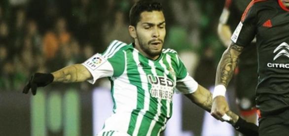 Petros atuando pelo Betis (Foto: Reprodução/Instagram)
