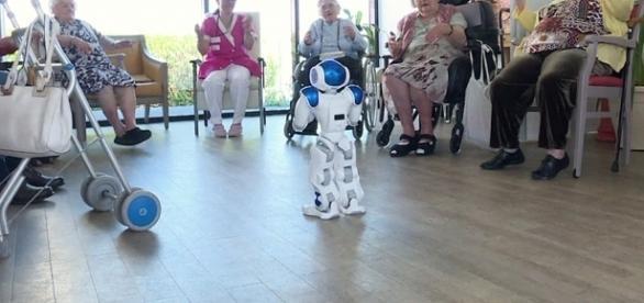 El Parlamento Europeo debate los aspectos éticos de los robots y ... - europa.eu