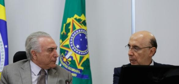Temer e Meirelles discutem sobre a votação da reforma trabalhista (Foto: Reprodução)