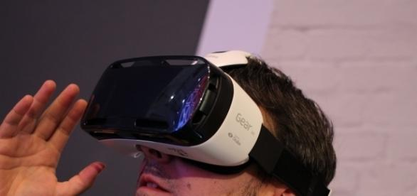 Gear VR headset / Photo via Maurizio Pesce, Flickr